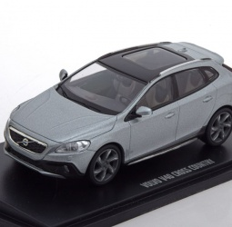 1:43-Volvo V 40 Cross Country-2015-srebreni-Motor Art