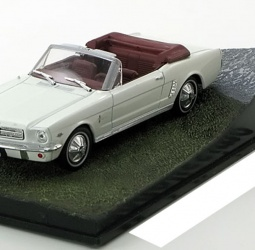 1:43-Ford Mustang Cabriolet-film Goldfinger-James Bond-1964-1966-bijeli-Altaya 007 Collection