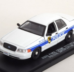 1:43-Ford Crown Victoria-Police Interceptor-TV Series MacGyver-2003-bijelo-plavi-Greenlight