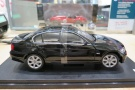 1:18-BMW (E90) 330i-2004-2013-crni-Welly